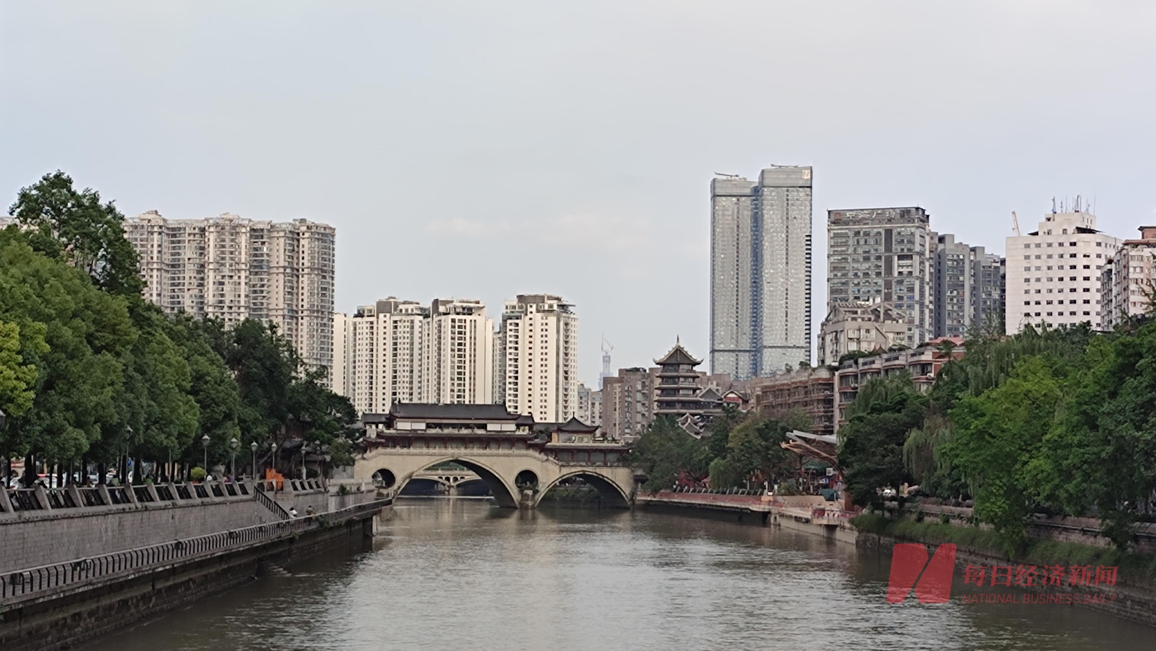 光辉平台地址成都首批集中供地揽金355亿元,本土及中小房企拿地金额占超六成