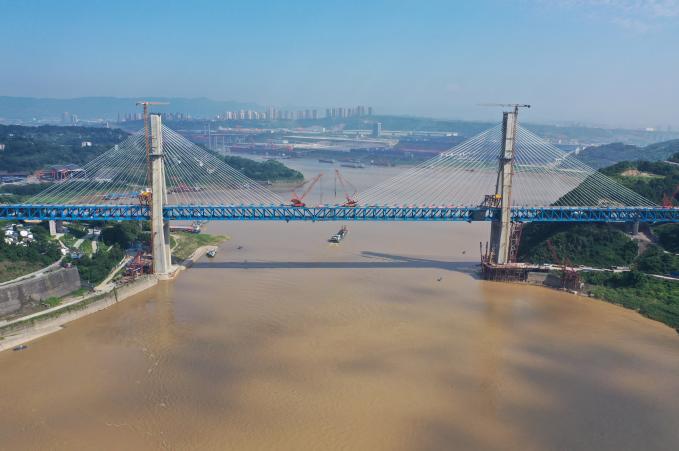 《【超越平台网】财政部:推动国家绿色发展基金等重点投向长江经济带 加大地方政府债券支持力度》