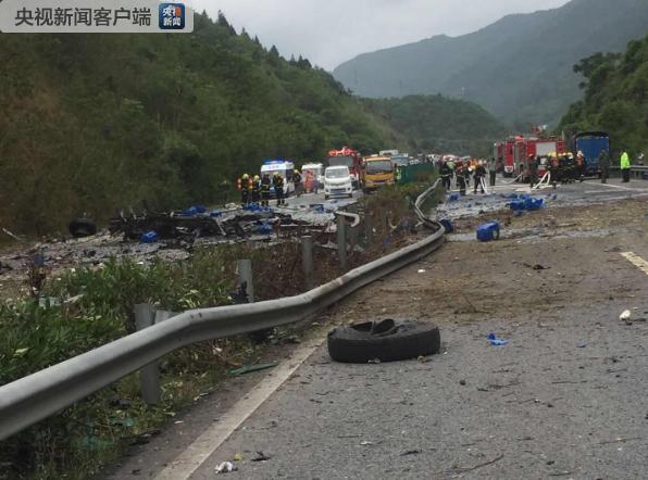 去年,沪蓉高速货车自燃,货车司机伤情较重