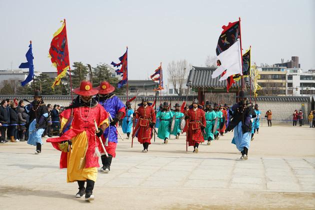 韩机构调查:韩国上班族春节预想开支为2759元