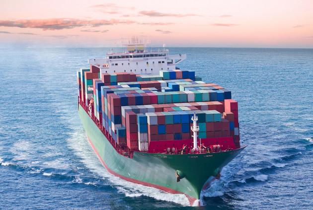 全球贸易放缓的重要信号:航运费崩了!船舶报废加速!