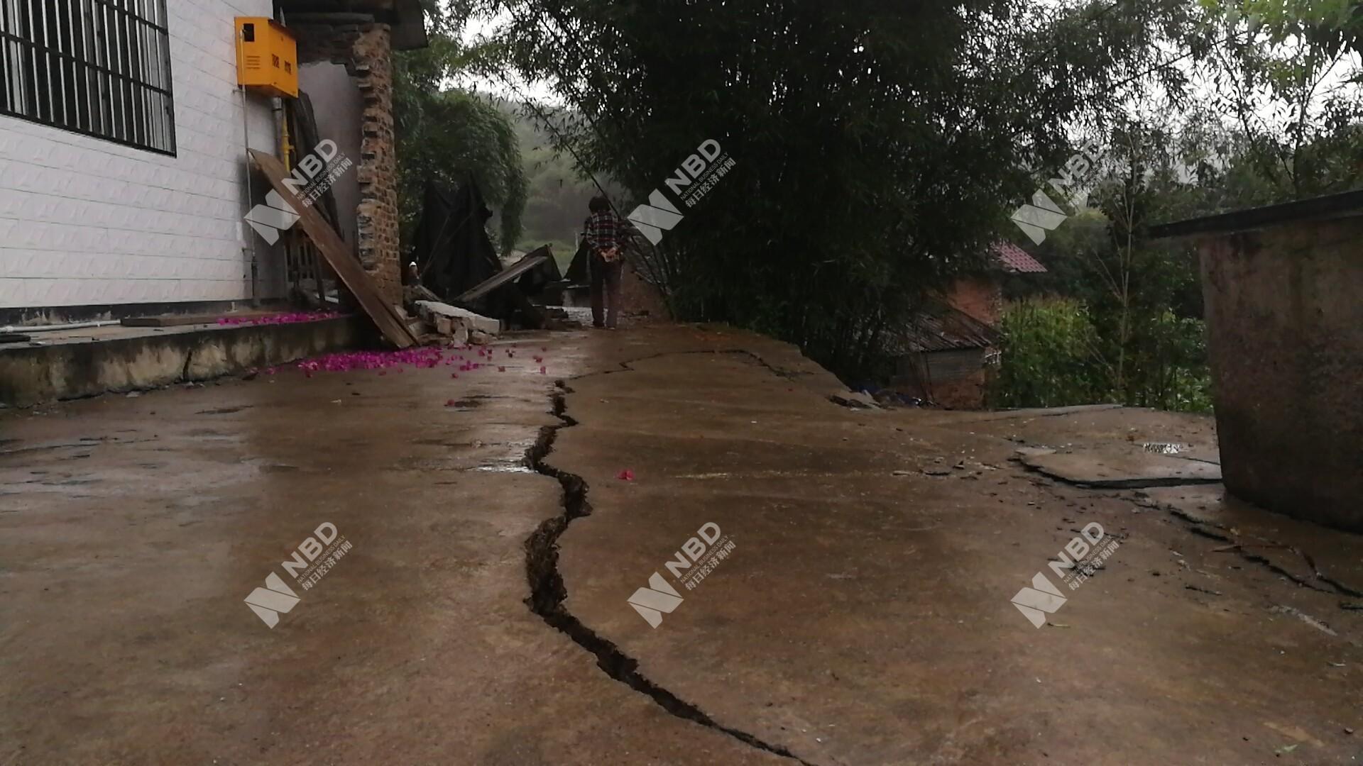 四川对水利工程进行查险、排险 工作组赶赴震区指导工作