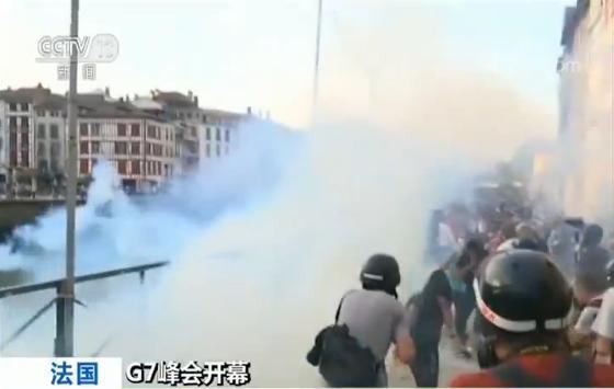 G7峰会举办地附近连续爆发示威抗议活动 警方强力驱散