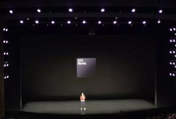 苹果发布会七大亮点!芯片首次对比华为,新iPhone罕见降价千元
