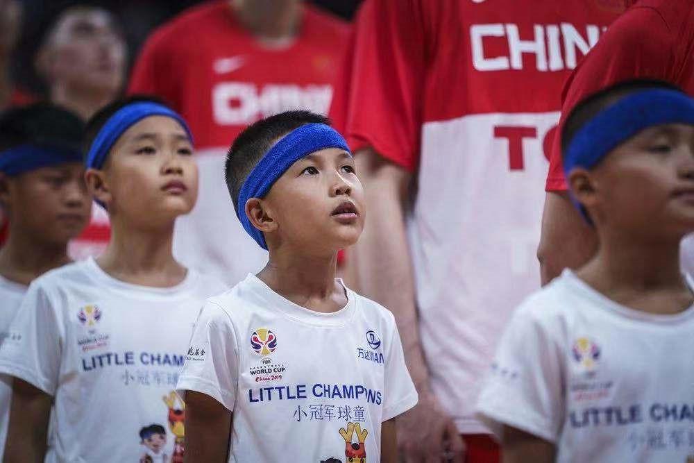 """""""小冠军""""球童出征篮球世界杯全记录 万达集团篮球世界杯小球童项目力助中国少年梦想成真"""