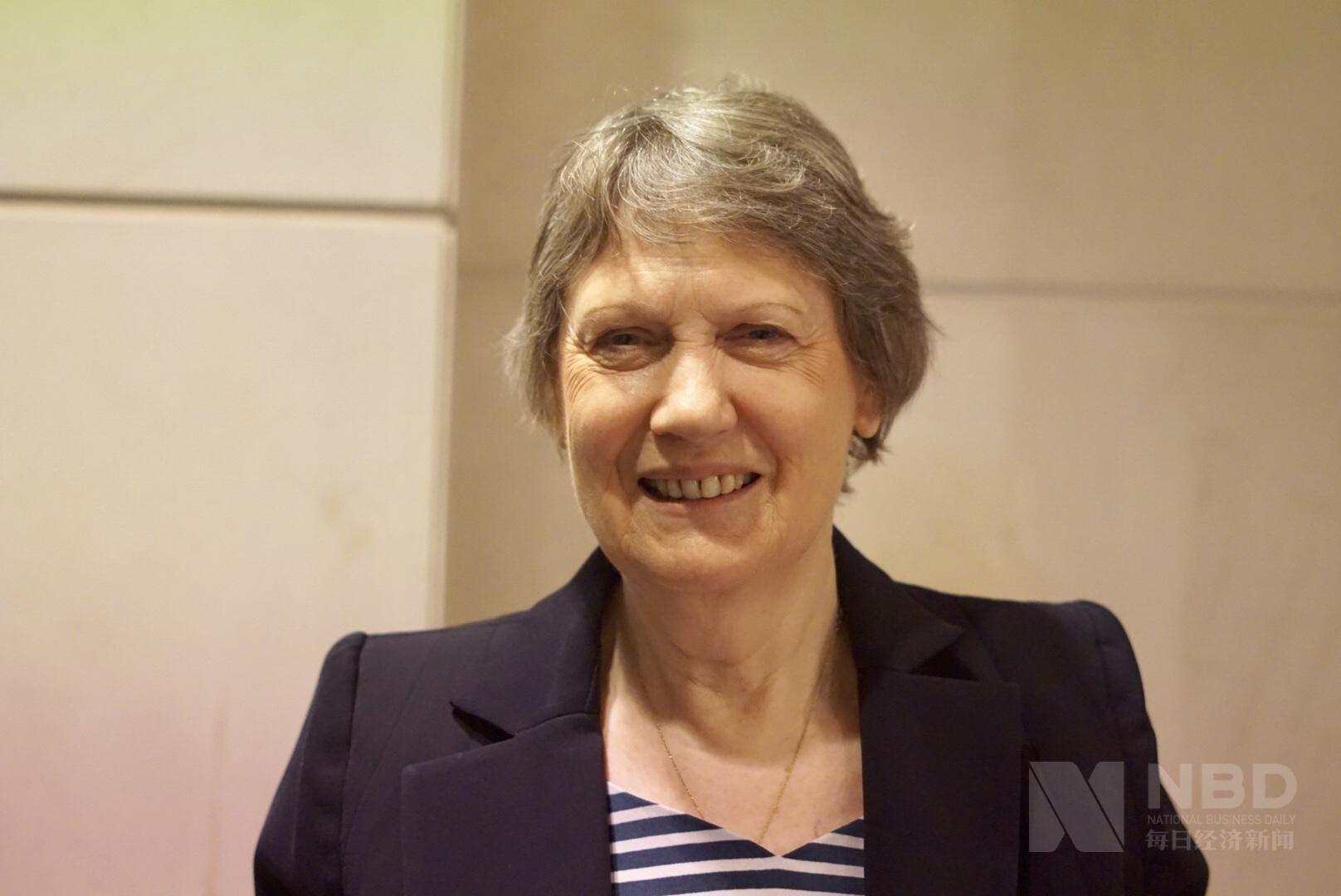 专访新西兰前总理:脱贫成就是中国最亮眼的成绩之一