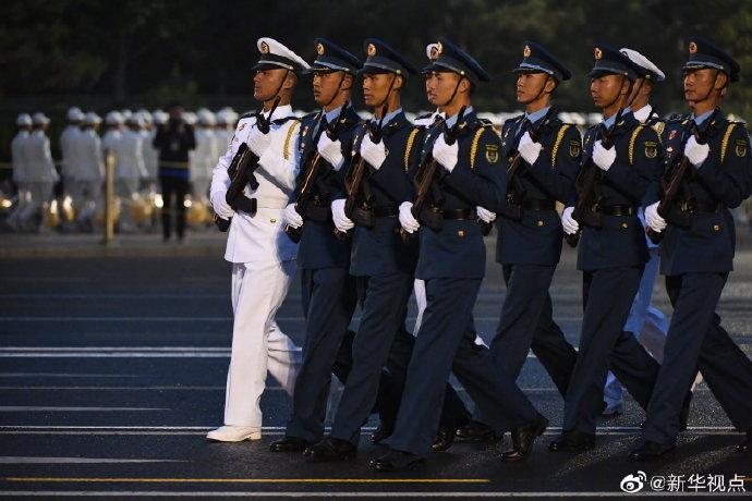 分手后不能做朋友参加国庆阅兵的全体受阅官兵集结完毕
