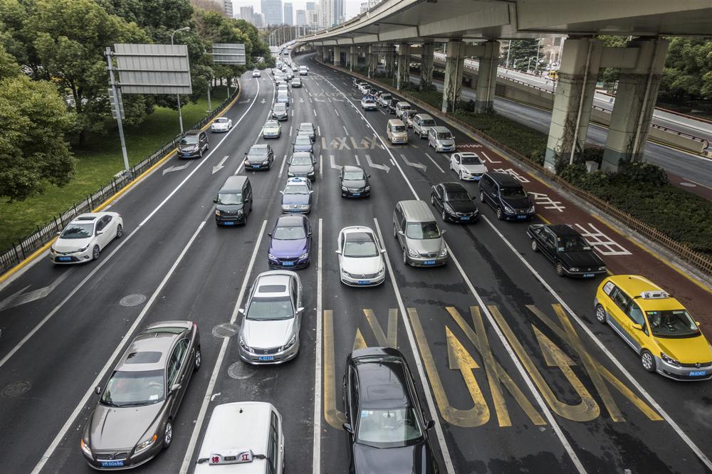 各地将迎长假返程高峰 全国高速公路交通压力将明显加大