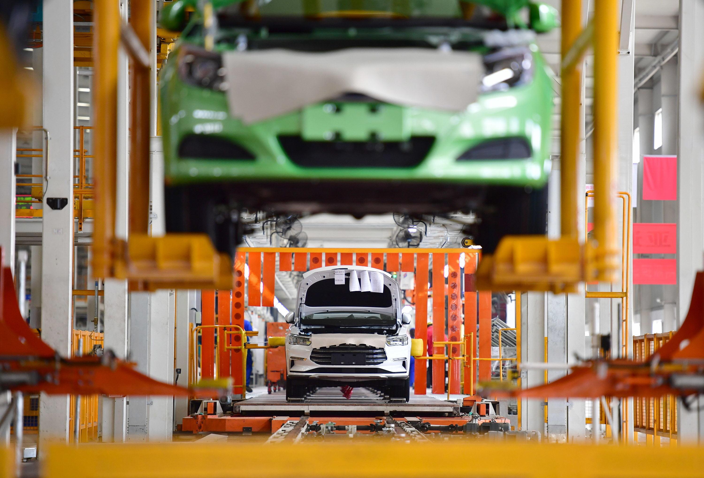 汽车类下滑拖累10月消费增速 通信、体娱等升级类消费仍呈两位数增长