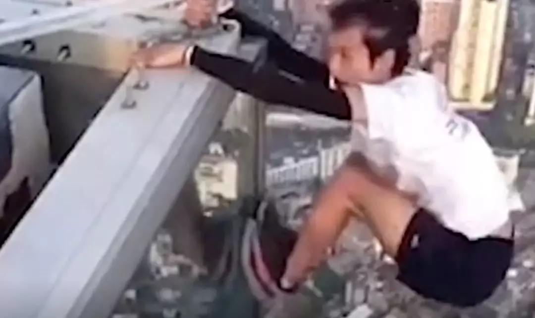 """""""极限运动第一人""""攀高楼拍视频坠亡,家属状告直播平台后获赔3万元"""