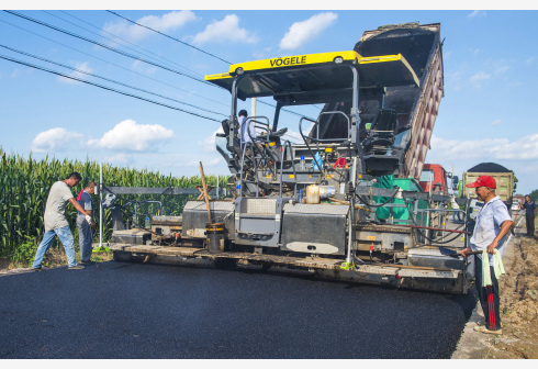 400万公里!农村公路网惠及超6亿农民,具备条件的建制村年内将全通硬化路