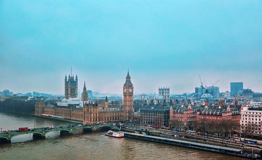 """18亿买下伦敦最贵单栋豪宅的重庆富豪:几年前已清空内地物业,6次豪购打造""""伦敦房产版图"""""""