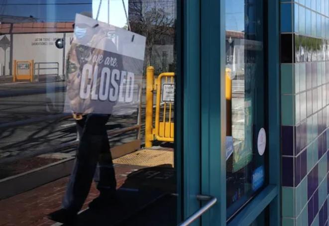 受疫情影响美国失业率飙升!美国两周内1000万人丢掉了工作