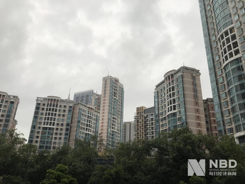 深圳调控见效了:二手房成交跌去8成 中介们转战临深城市