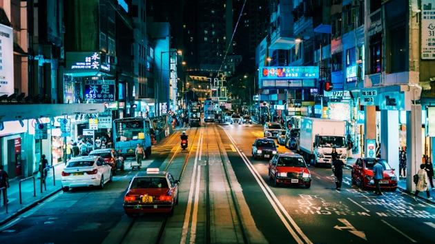 即日起上述15城的快车优享司机均可使用乘客醉酒报备与申请取消功能