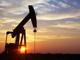 欧佩克1月减产80万桶/日助油价大涨3%