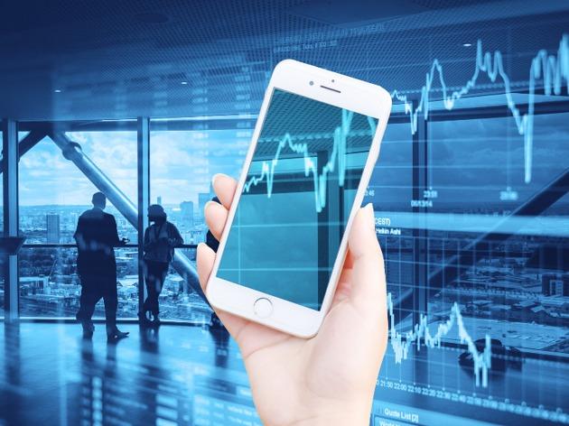 A股三大指数高开 创业板指涨逾2% ST板块掀涨停潮