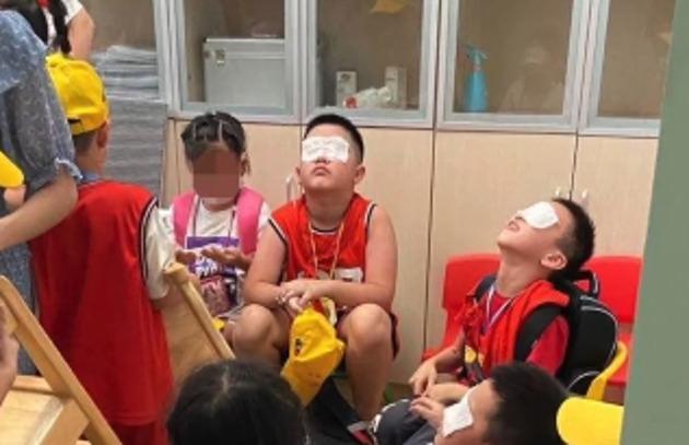 《【摩登2注册平台】杭州一小学紫外线灯灼伤学生眼睛,官方回应:电工操作失误》