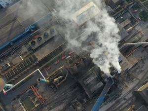 今日(5月29日)16时30分许,方大特钢(600507,SH)南昌青山湖区方大特钢公司焦化工厂2号高炉在维修中发生气体泄漏,产生燃烧爆炸。《每日经济新闻》记者从方大特钢宣传部获悉,目前已造成1人不幸遇难,9人受伤。伤员均已送医治疗,现场明火已被扑灭,清理和善后工作正在进行。